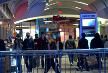 "Photo of קהל יום שישי השחור מתעצם אחרי בוקר שקט ב""גורלי ארה""ב ""(תמונות)"