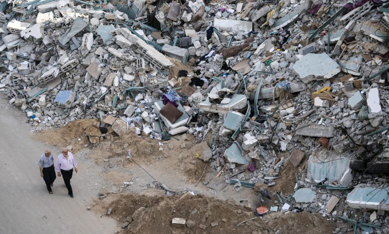 Photo of הפלסטינים רואים ניצחון בהפוגה בעזה כאשר ישראל מזהירה את חמאס