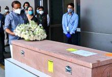 Photo of שרידי תמותה של סוביה סנטוש, אשת קראלה שנהרגה בישראל, מגיעים להודו