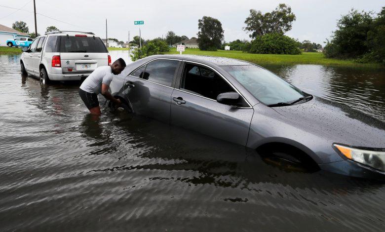 Photo of 30 מיליון תחת סופה טרופית צופים כשאלזה שואגת בחוף המזרחי; הרוג אחד בפלורידה